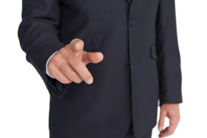 Pointing Fingers in a meeting - body language mistake